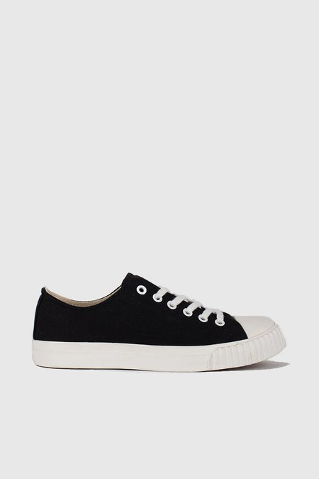 Unisex Bata Bullets Low Cut Sneakers - Black/Cream