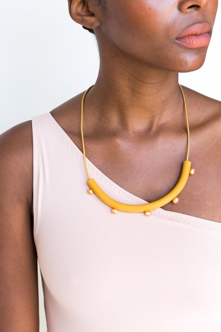Surface Handmade Five Pearl Cylinder Necklace - Yellow
