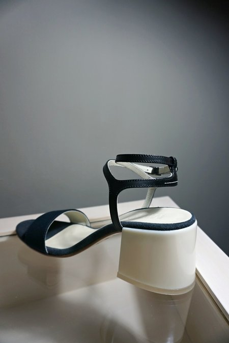 MM6 ANKLE STRAP SANDAL - NAVY/BONE