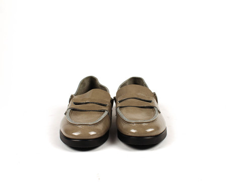 U-Dot Enamel Loafer - Putty