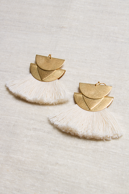 Sandy Hyun Diamond Canyon Fringe Earrings - Ivory