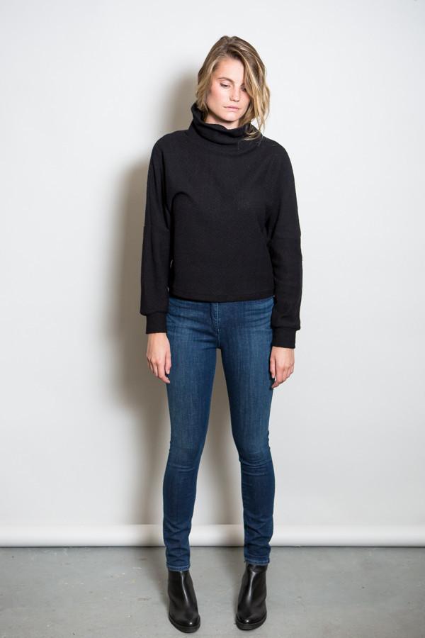 Oak Drop Shoulder Turtleneck Sweatshirt