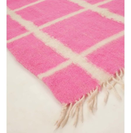 Archive New York Momos Grid Blanket-Rug - Natural White/Neon Pink