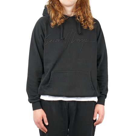 SECOND/LAYER SCRIPT LOGO RAGLAN HOODIE - BLACK