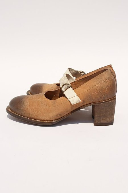 Cherevichkiotvichki Contrast Mid Heel Pump with Strap Blake Rapid - Natural