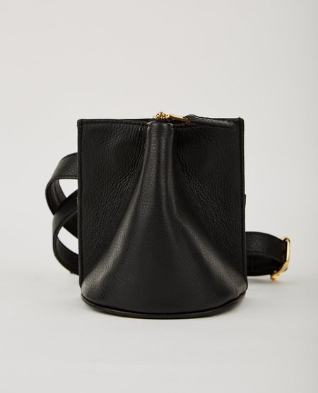 The Common Knowledge PINCH BELT BAG - BLACK LEATHER