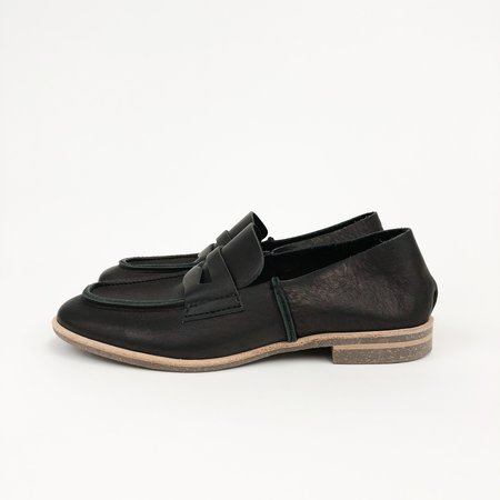 U-Dot Loafer - Black