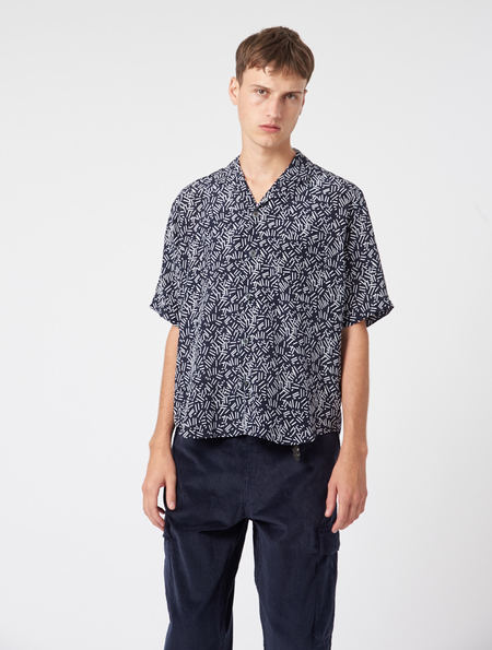 OTHER/man Jacob Silk Shirt - NAVY/WHITE