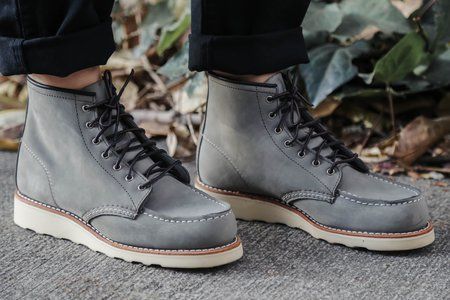 Red Wing Heritage 3370 Charcoal Chinook Moc Toes Boots