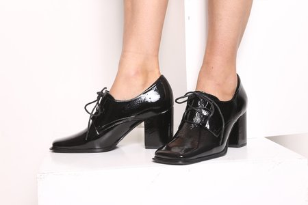 """""""INTENTIONALLY __________."""" SUNG oxford - Black Patent"""