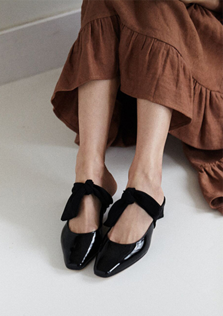 ABOUT ARIANNE TINA MULE - BLACK