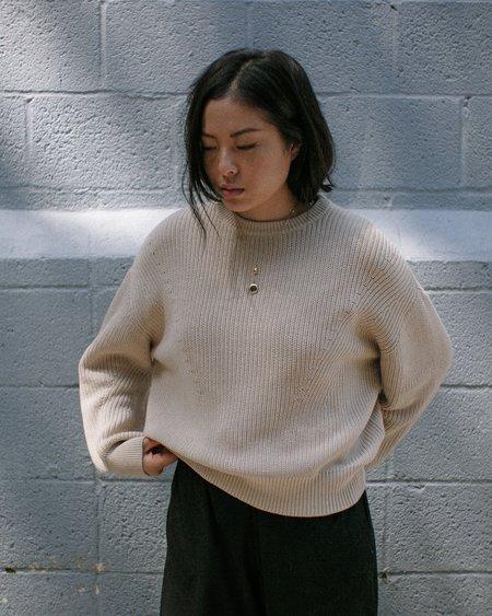 7115 by Szeki Poet Sleeves Ribbed Sweater