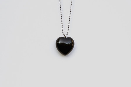 Muraco Wolfe Heart Necklace - Onyx