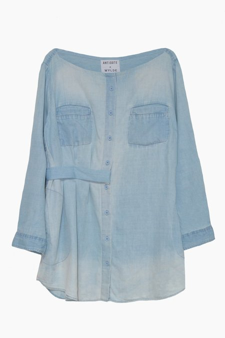 ANTIDOTE x WYLDE Pleated Shirt Dress - Vintage light wash