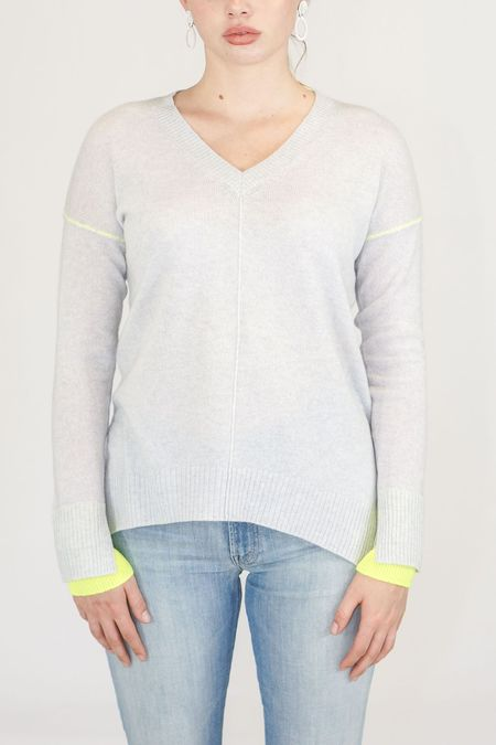 Duffy V-Neck Cashmere Sweater with Yellow Accents - Light Heather Grey
