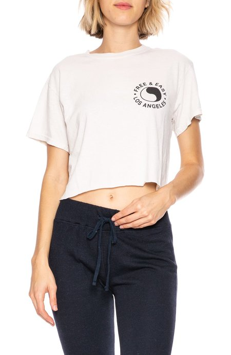 Free & Easy Chains & Roses Cropped Tee - Dirty White
