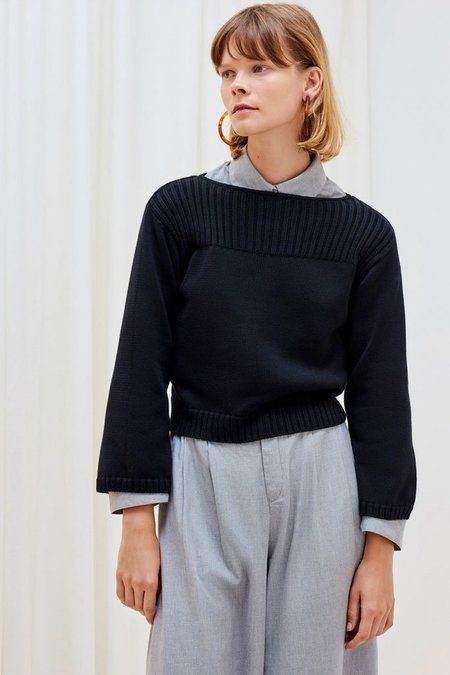 Kowtow Cropped Sweater - Black