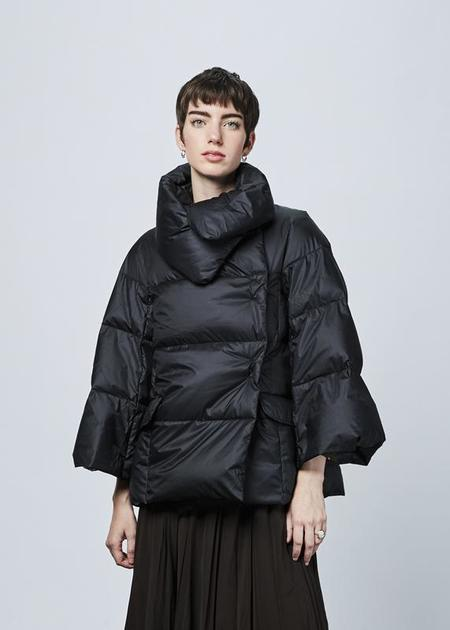 Lareida Perri Puff Jacket - black