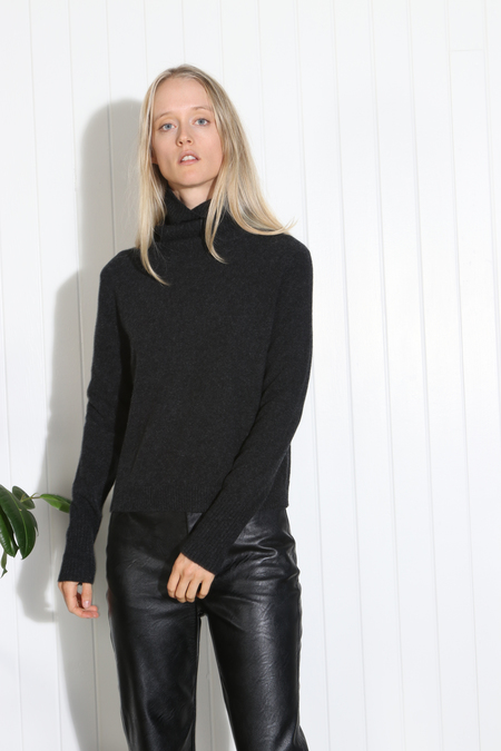 Inhabit Cashmere Turtleneck Sweater - Charcoal
