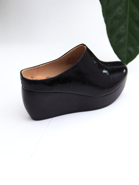 Sydney Brown Clog - Black Patent Cork