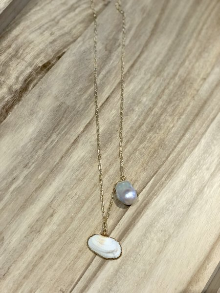 frankie. Shell Necklace - GOLD PLATED