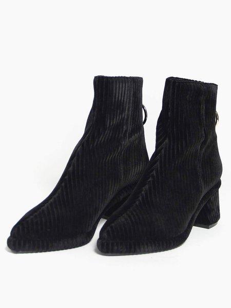 """Intentionally __________."" Ring Slim Boot - Black"