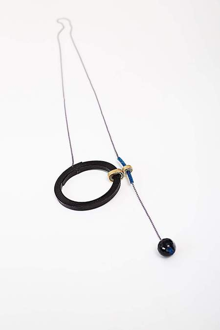 VASILIS MORALIS CIRCLE NECKLACE - black