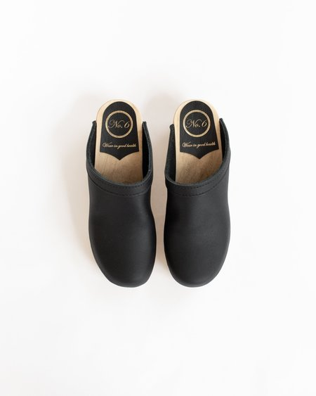 No.6 Old School Clog - Black