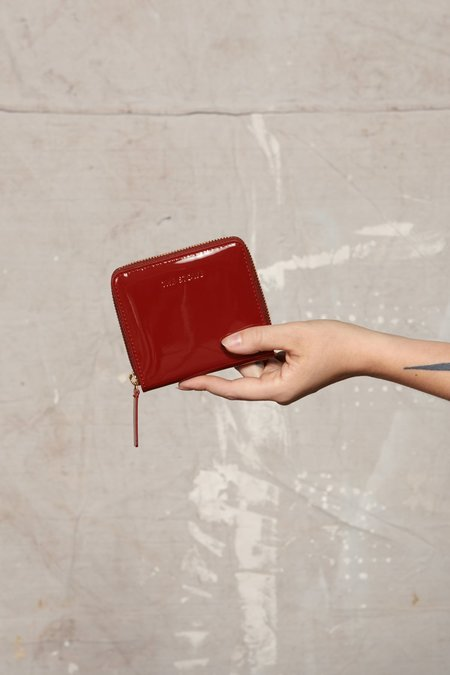 The Stowe Square Wallet - Patent Tomato