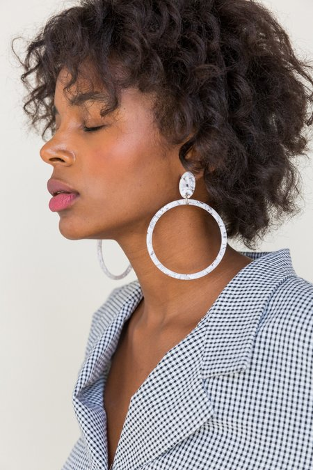 Foe and dear Soleil Earrings - white