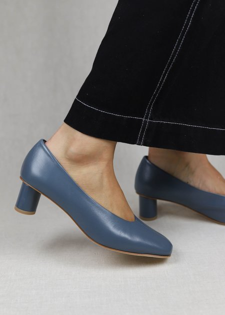 LOQ Leather Camila Pumps - Azulejo