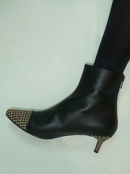 Flat Apartment Cut Off Ankle Boots