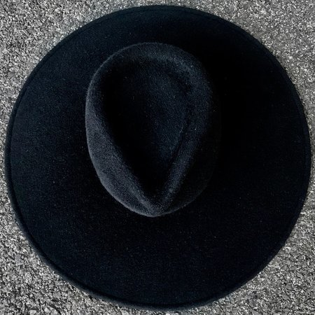 Esenshel TEAR WIDE FLAT BRIM HAT