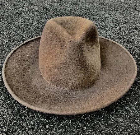 Esenshel TEAR MEDIUM CROWN CURVED BRIM HAT