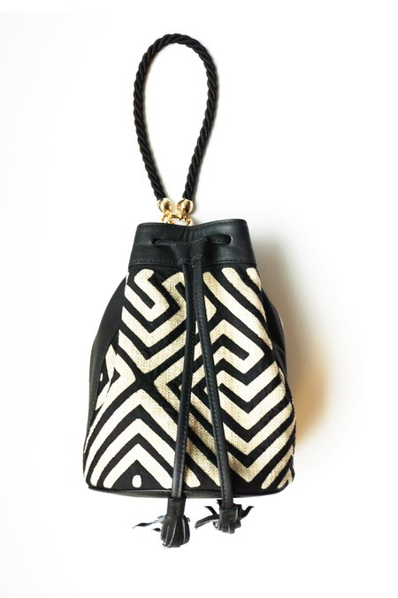 Fe Tule Shoulder Bag