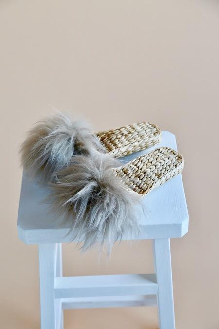 Folk Fortune Handwoven lamb fur slippers - Grey
