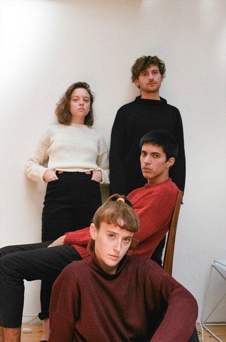 UNISEX Nido Merino Wool Sweater - RED
