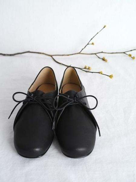 HEENN Round Toe Pouch Shoes - Black