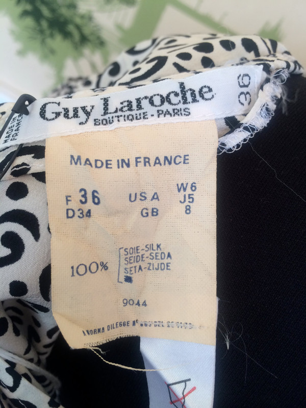 Guy Laroche Vintage Silk 80's Dress black and white pattern size small- medium
