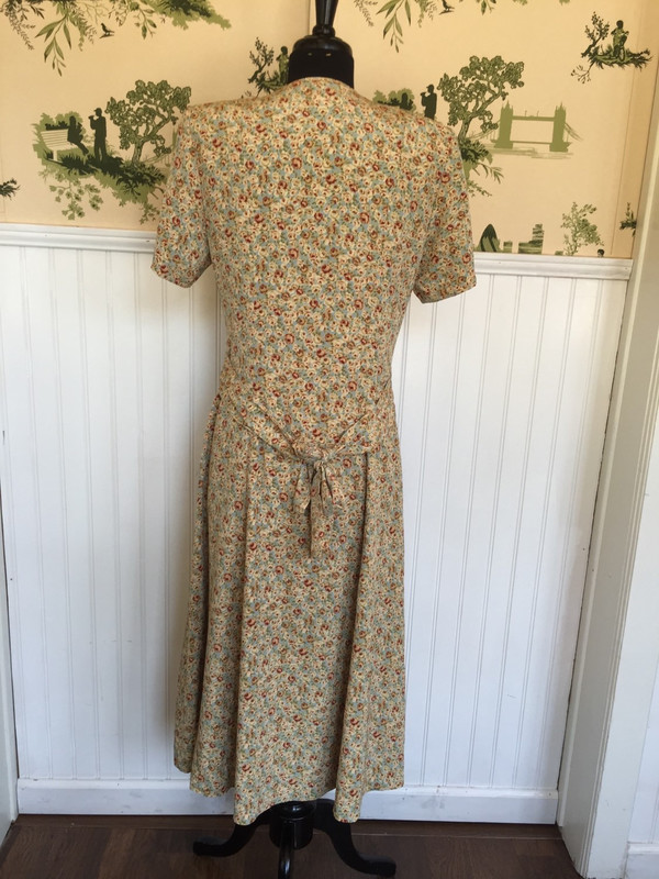 Metro Nome floral 70's buttonup dress size small to medium