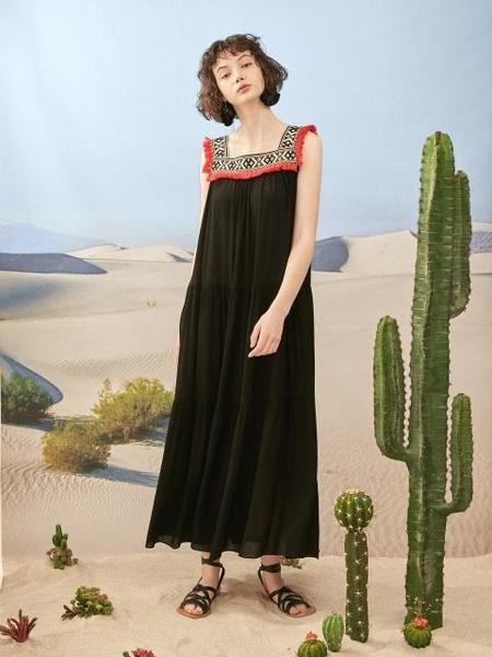 DEBB Tassel Ethnic Maxi Dress - Black/Ivory