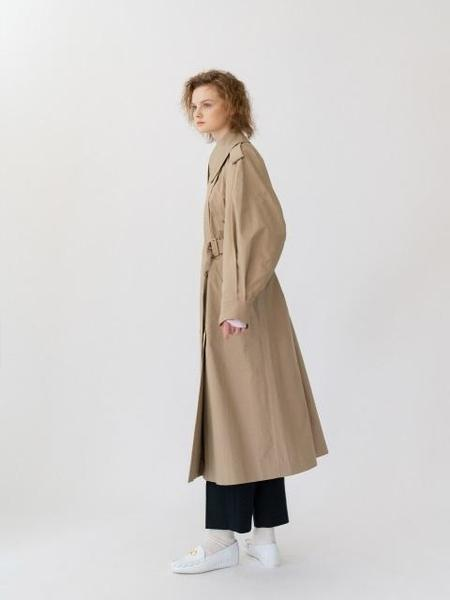 ANNE AND THE CRWD Trench Coat - Beige