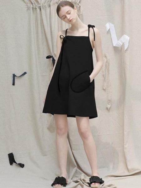 ECOMMAE Ribbon A-line Dress - black