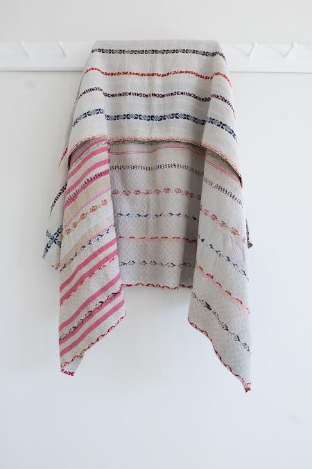 Karu Vintage Kantha Quilt - Pinks/White