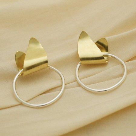 Sunday Feel Midi Leaf Loop Earrings