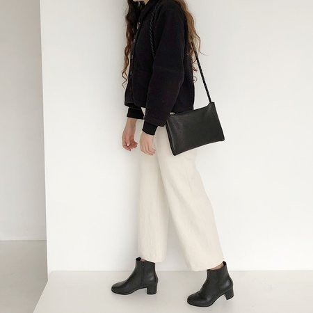 ARA Handbags Pebble Leather Shoulder Bag - Black