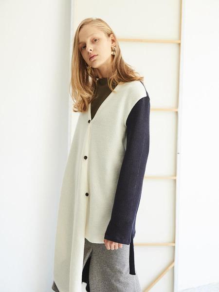 EKHON Diagonal Button Wrap Cardigan - White/Navy