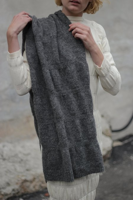 Wol Hide Ripple Scarf - Charcoal