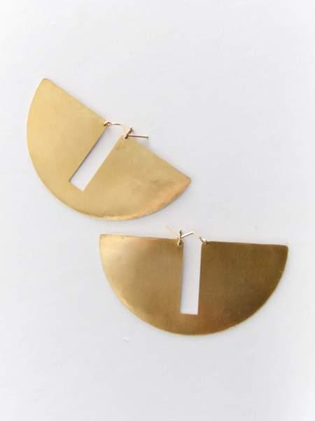 Lila Rice Gap Hoop Earrings - Brass