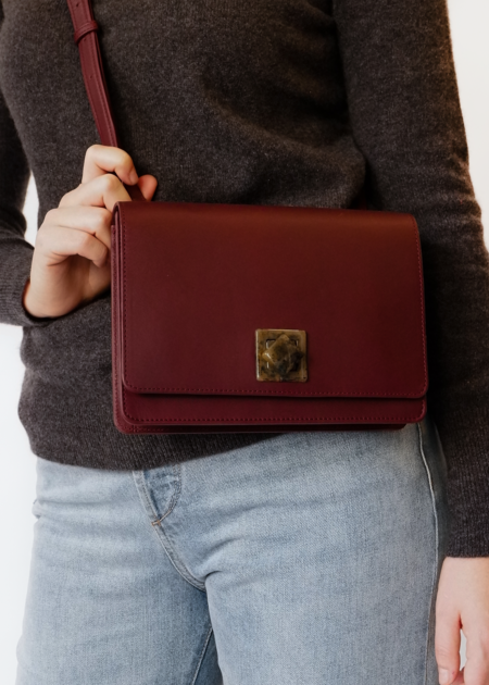 The Stowe Evelyn Lock Crossbody - Plum